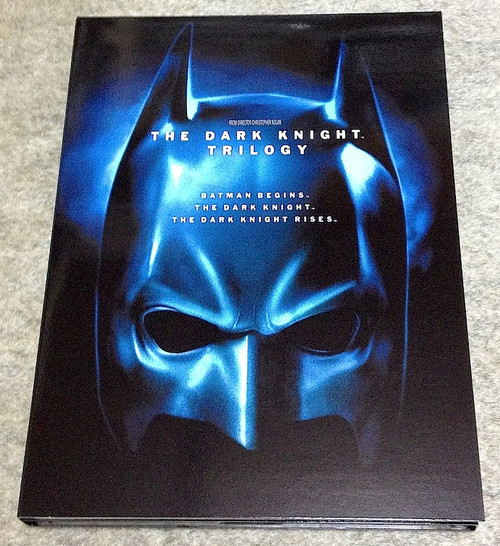 121208the_dark_knight_trilogy_bd_2
